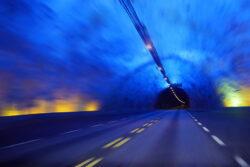 T1_Toews_Rebecca_17-Jahre_Tunnel